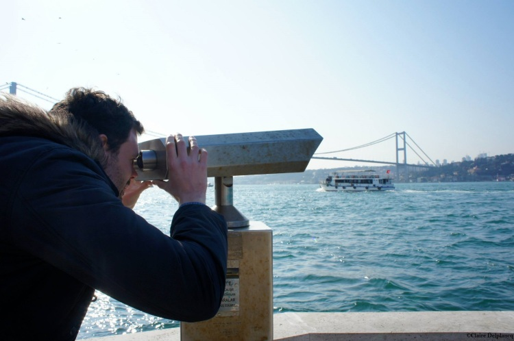 istanbul-bosphorus-binoculars