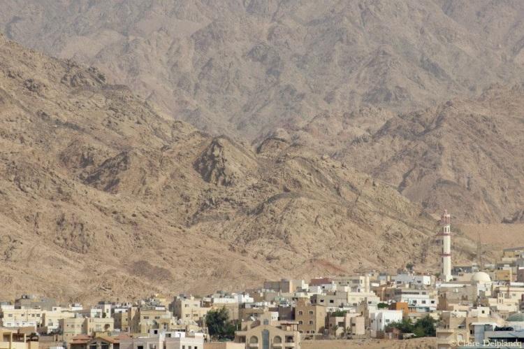 jordan-aqaba-desert-city