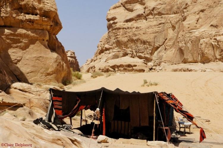 jordan-desert-bedouin-tent