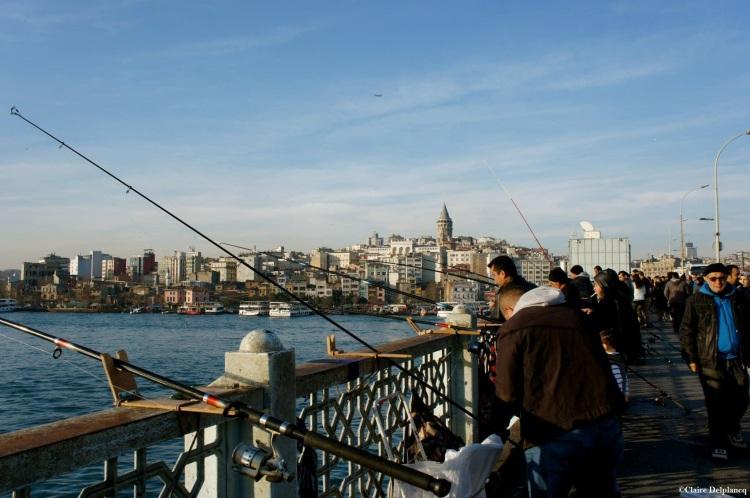 istanbul-bosphorus-fishermen