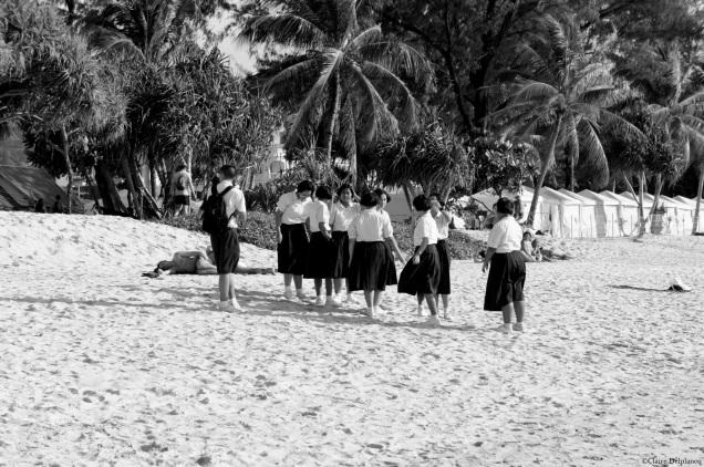thailand-phuket-beach-students