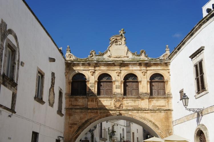 Ostuni arch