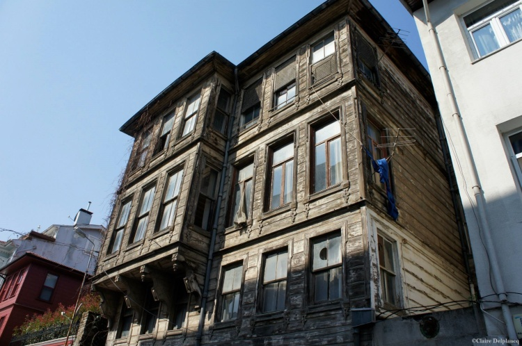 Turkey-Istanbul-wood-house