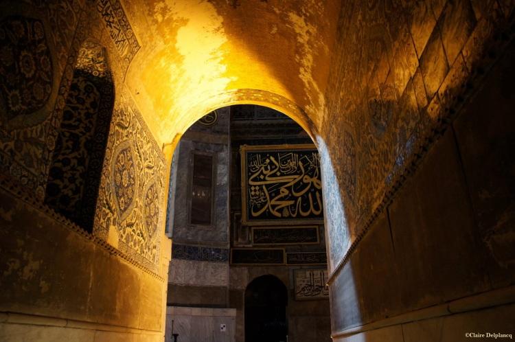 Istanbul-Hagia-Sophia-gold-arch