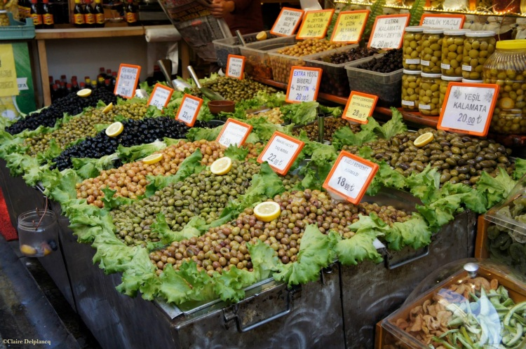 Istanbul-Spice-Bazaar-olives