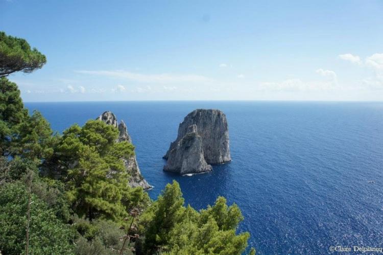 Italy-Capri-rock