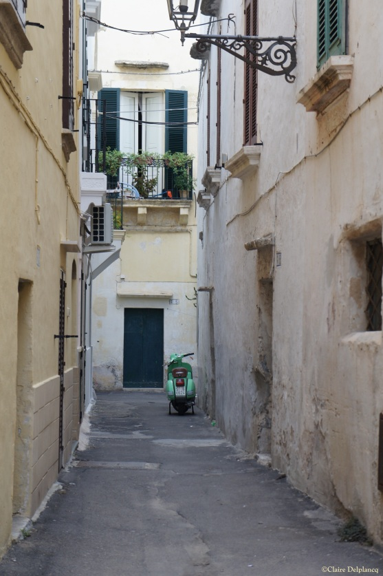 Puglia Gallipoli green vespa