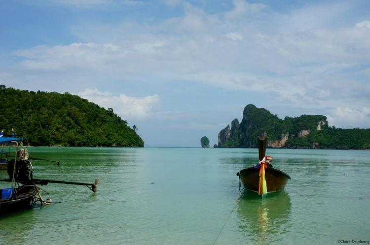 Thailand-Koh-Phi-Phi-longboat-sea