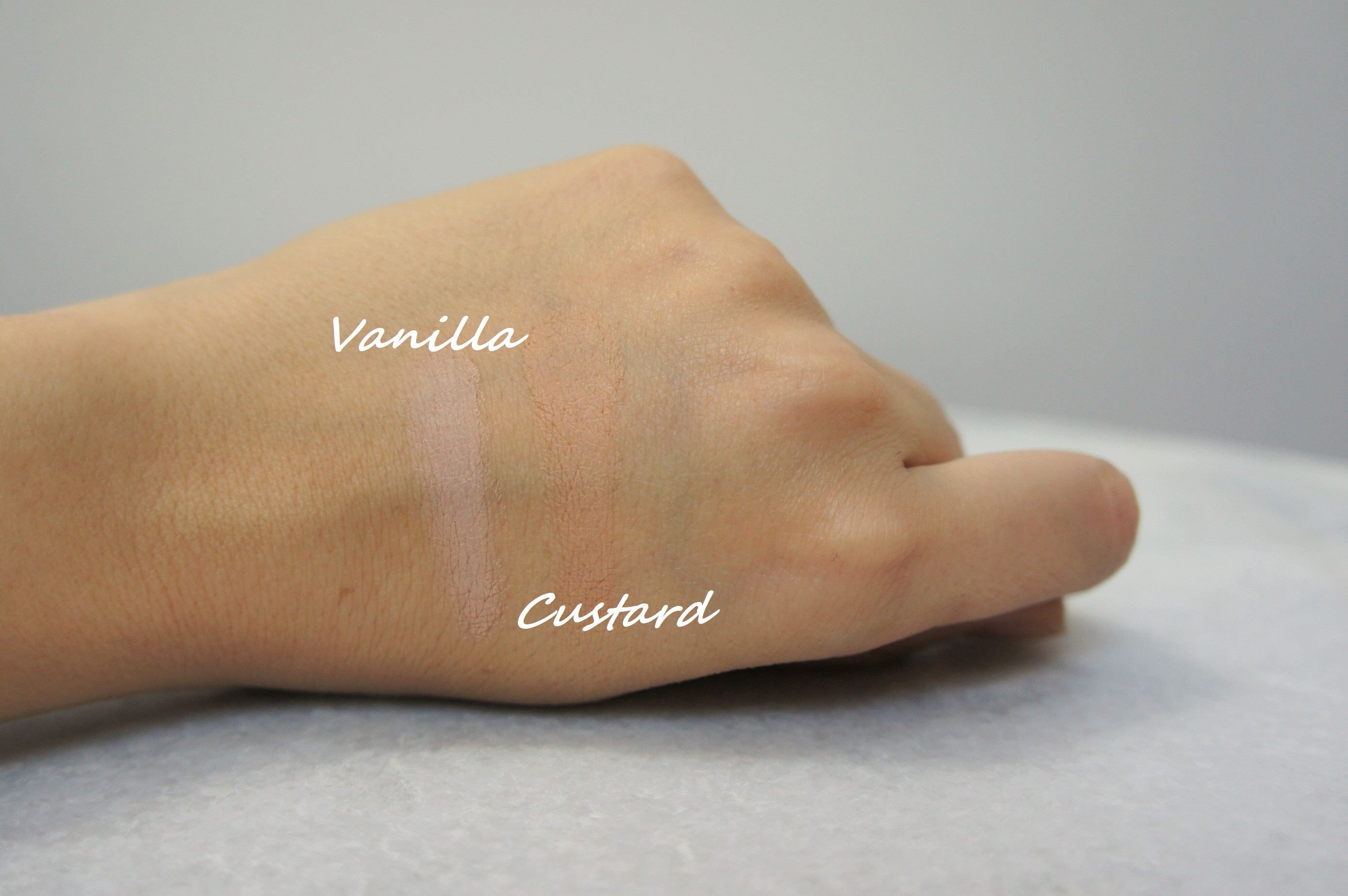 Nars Soft Matte Complete concealer in Vanilla and Custard