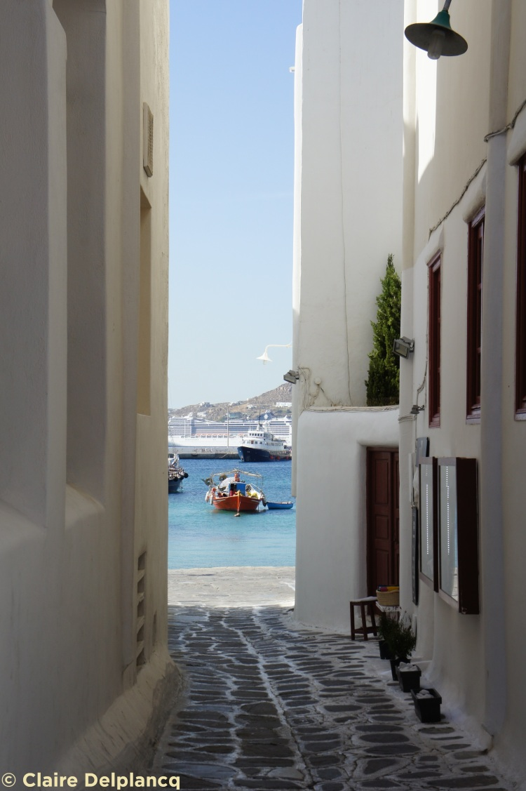 Street and boat in Mykonos