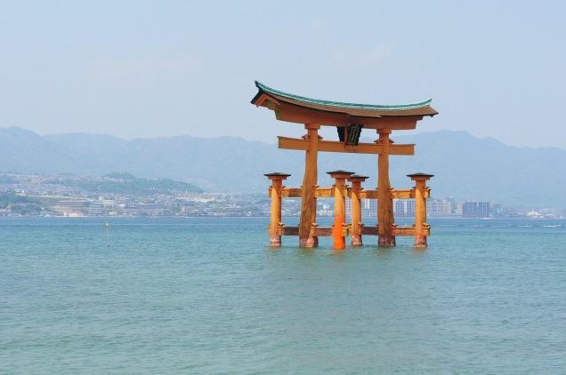 Floating torii in Miyajima island
