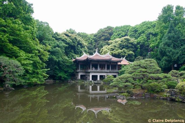 Tea house in Shinjuku Gyoen National Park