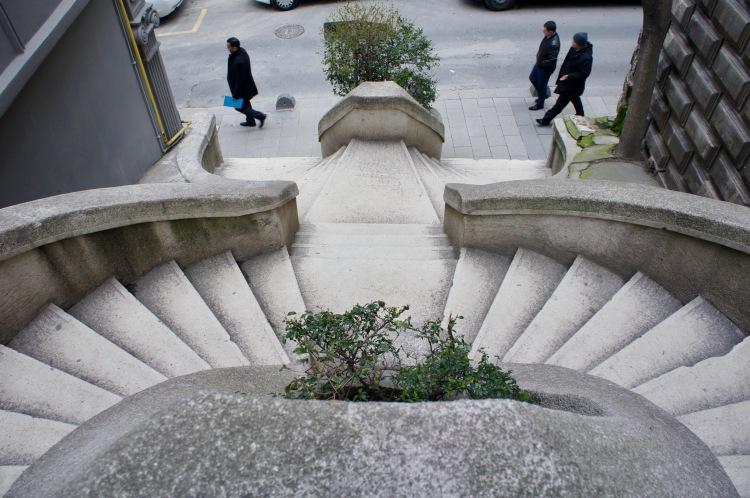 Kamondo steps in Istanbul