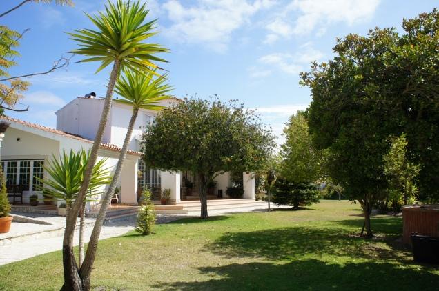 Vila Louro garden