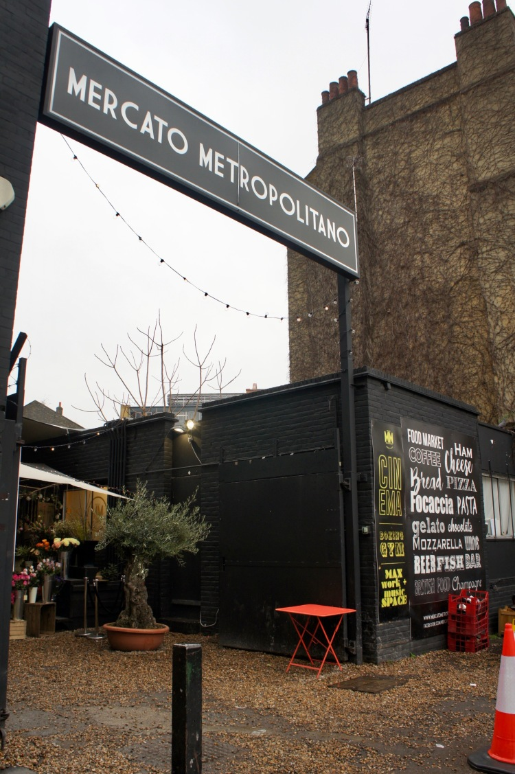 Mercato Metropolitano entrance London