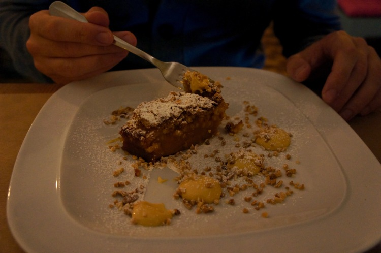 Praline and almond cake Restaurante Funky