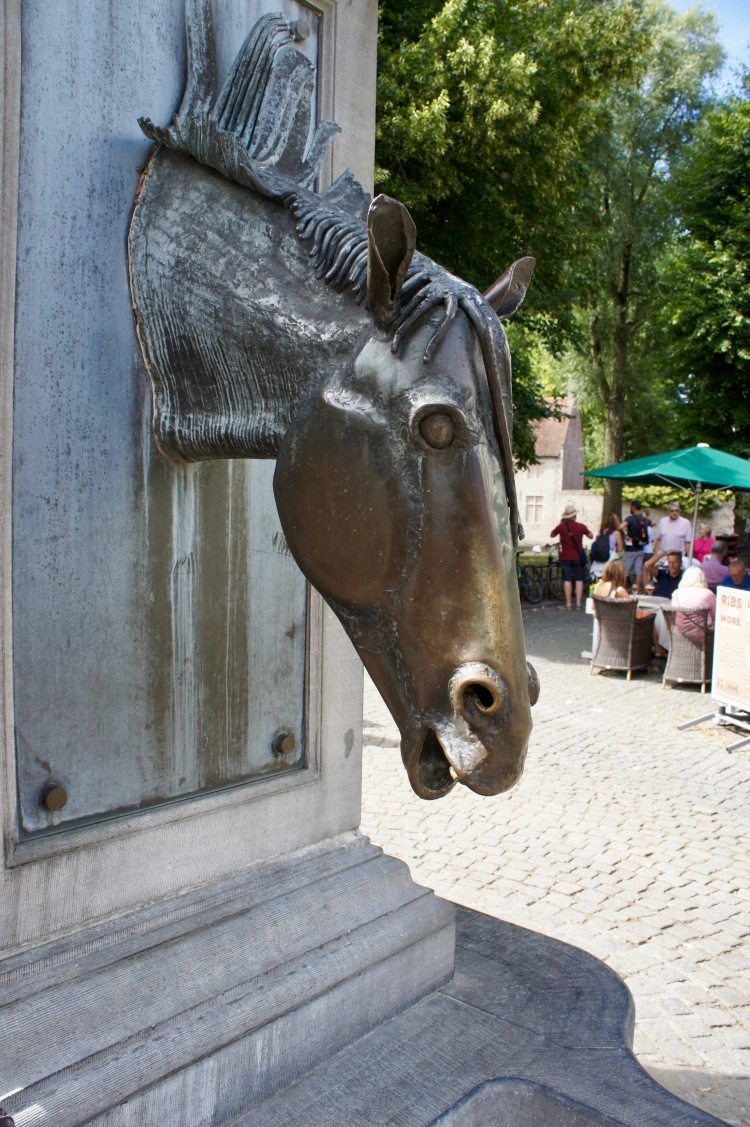 A day in Bruges - horse fountain