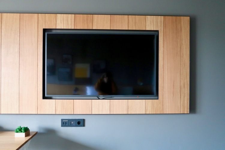 Wood panel TV at Icelandair Hotel Myvatn