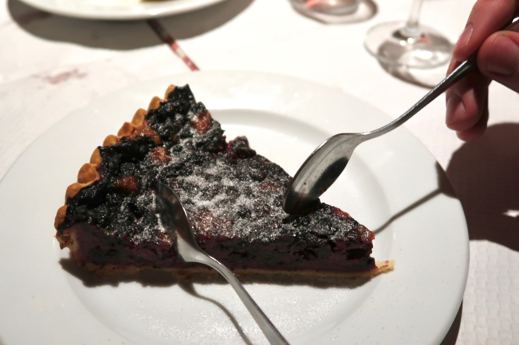 Blueberry tart Au Pont Corbeau