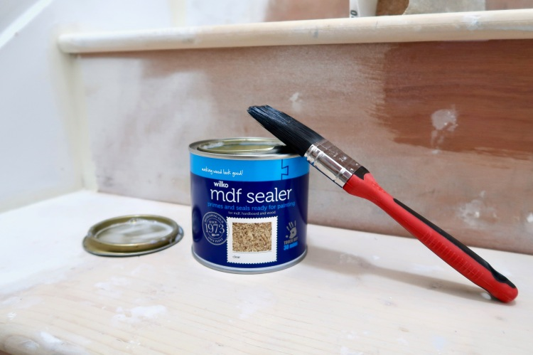 Wilko MDF Plywood sealer primer