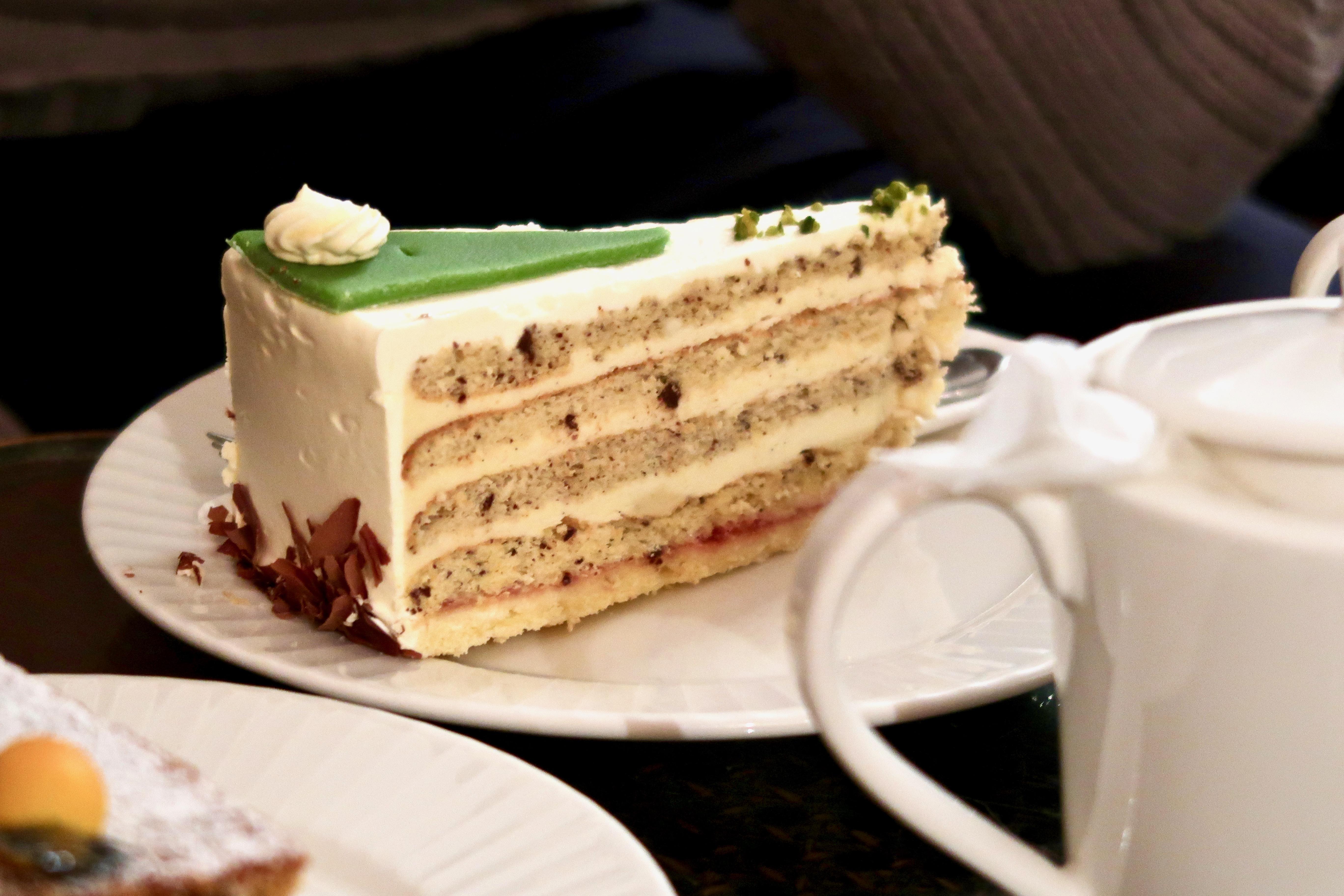 Café König Baden-Baden vanilla cake