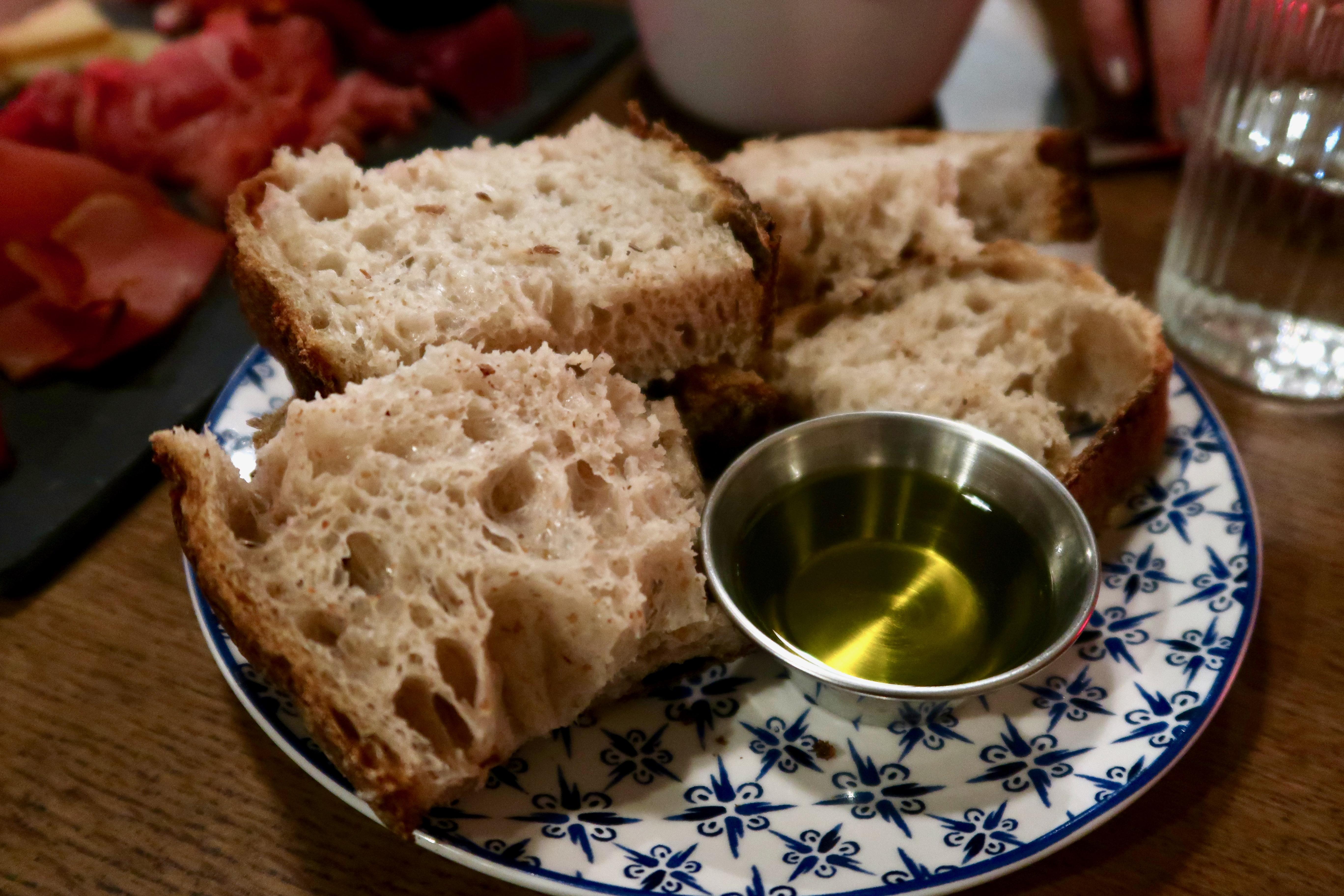 L'Oculto sourdough bread