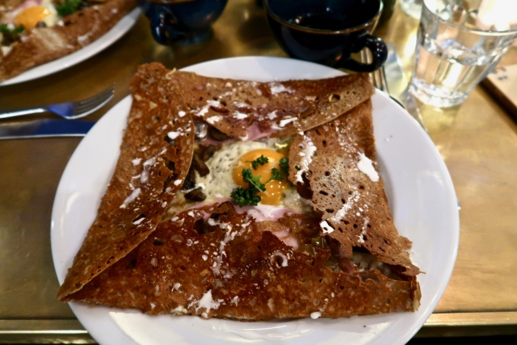 Mamie's Forestière galette